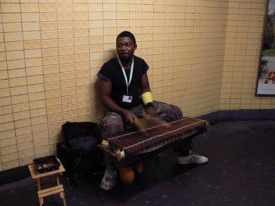 Muzikant v chodbách