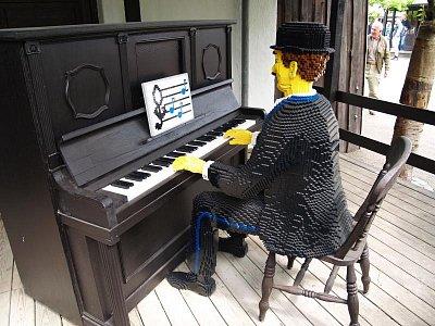 Lego-pianista (nahrál: admin)