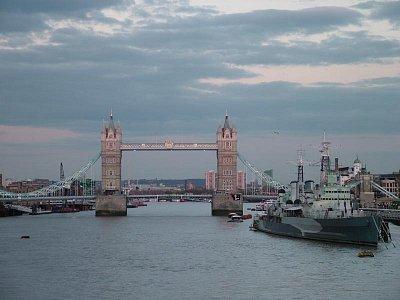 Tower Bridge v podvečer (nahrál: admin)