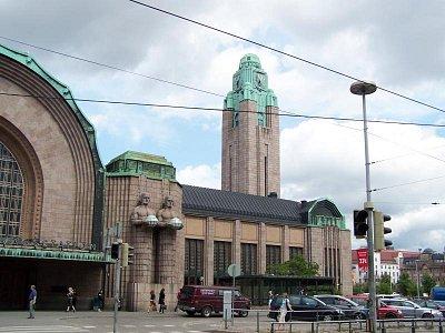 Vlakové nádraží - Hlavní vlakové nádraží-žulová budova dokončena r.1919,architekt Eliel Saarinen (nahrál: Petra Lecová)